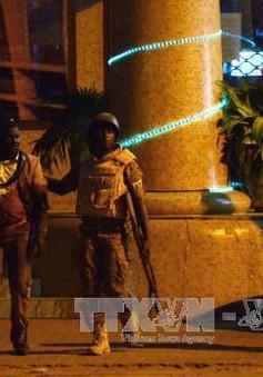 Khủng bố ở Burkina Faso: Giải cứu 126 con tin, tiêu diệt 3 tay súng