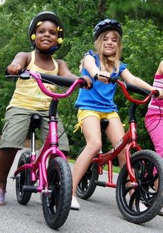 Thú vị môn chơi xe đạp tự cân bằng cho trẻ