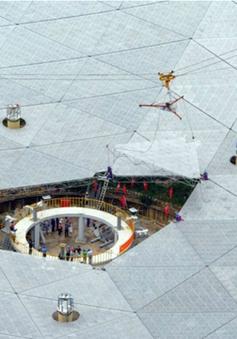 Trung Quốc hoàn thành kính thiên văn radio lớn nhất thế giới