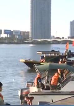 Vụ lật tàu trên sông Hàn: Tiếp tục lặn tìm các nạn nhân mất tích