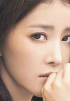 Lee Si Young khoe vẻ đẹp dịu dàng ở Việt Nam