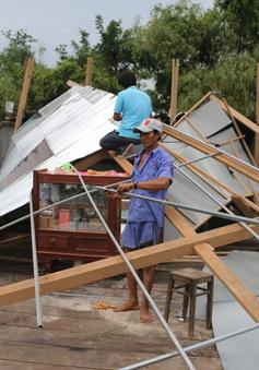 Hơn 700 căn nhà bị thiệt hại do lốc xoáy