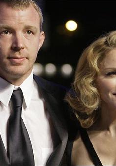 Madonna bị chồng cũ phê phán