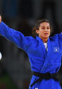 """Olympic Rio 2016: """"Cô gái vàng"""" Kosovo đối diện án phạt"""