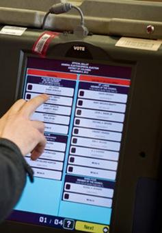 Bầu cử Mỹ và nguy cơ từ những chiếc máy bỏ phiếu
