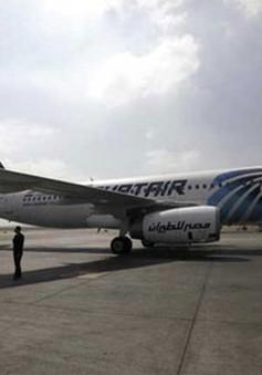 Toàn bộ hành khách vụ bắt cóc máy bay Ai Cập trở về Cairo an toàn