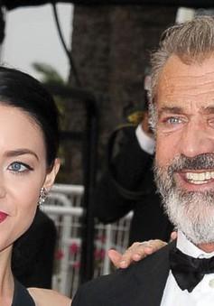 Sốc: Mel Gibson làm cha lần thứ 9 ở tuổi 60