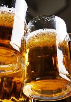 Cả thị trấn lần đầu được uống bia sau 81 năm