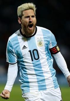 Messi thăng hoa nhờ… nhuộm tóc