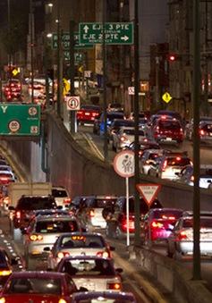 Mexico cấm 40% lượng ô tô do ô nhiễm