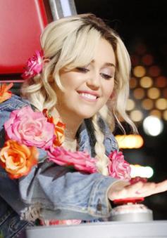 """Cô nàng nổi loạn Miley Cyrus: """"Tôi khóc nhiều lần ở The Voice"""""""