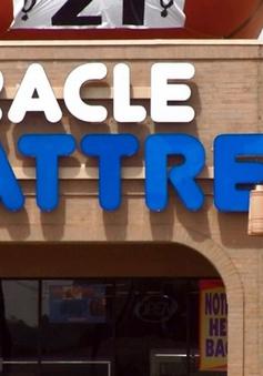 Cửa hàng đệm quảng cáo giễu cợt vụ khủng bố 11/9 ở Mỹ