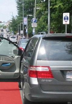 Những lưu ý khi mở cửa xe hơi