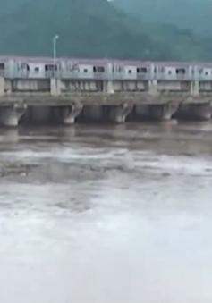 Mưa lũ gây ngập lụt nghiêm trọng nhiều huyện tại Thanh Hóa