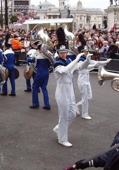 30 năm ngày diễu hành truyền thống chúc mừng năm mới ở Anh