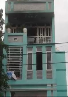TP.HCM: Người đàn ông ngáo đá đốt nhà 3 tầng