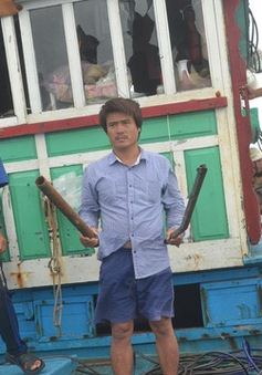 Tàu cá của ngư dân Quảng Ngãi bị tấn công