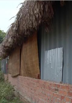 Ngưng cấp phép xây dựng có thời hạn: Người dân phải sống trong nhà tạm