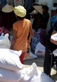 Ninh Thuận cấp phát gạo cứu đói cho dân