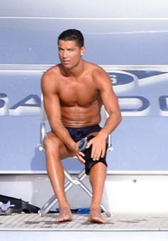 Vừa nghỉ hè vừa tập luyện, Ronaldo quyết trở lại sớm