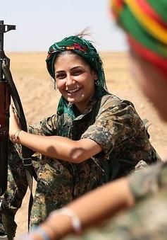 Những bóng hồng người Kurd khoác áo lính chống IS