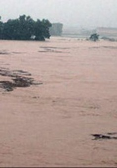 Mưa giảm, lũ các sông miền Trung đang lên