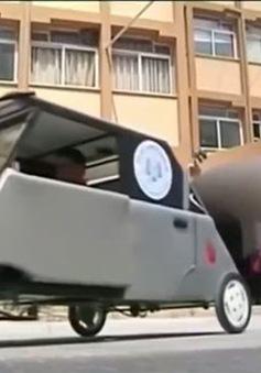 Sinh viên dải Gaza chế tạo ô tô năng lượng mặt trời