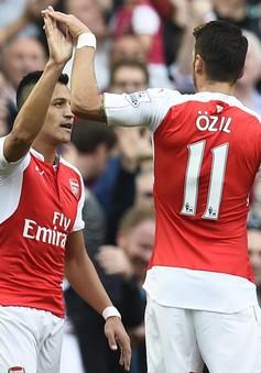 Arsenal có thể mất bộ đôi Sanchez-Ozil vào tháng 1
