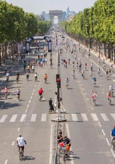 Pháp: Ngày không xe ô tô tại đại lộ Champs Elysees