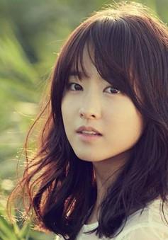 """""""Bạn gái cũ"""" của Song Joong Ki phủ nhận tin đồn phẫu thuật thẩm mĩ"""