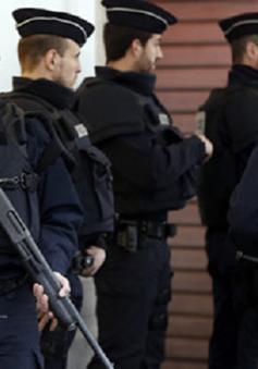Pháp gia hạn tình trạng khẩn cấp về an ninh