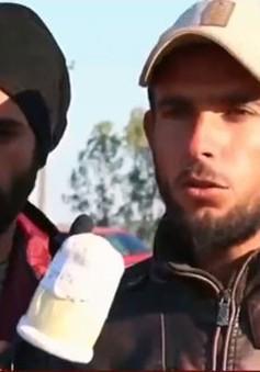 """Những """"phóng viên"""" tị nạn tại biên giới Hy Lạp – Macedonia"""