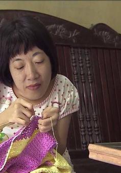 Nghị lực phi thường của người phụ nữ bị chất độc màu da cam