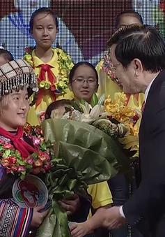 Hành trình vượt khó của cô gái H'Mông