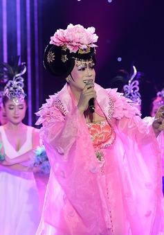 Giả gái hát kinh kịch, Phan Ngọc Luân làm say lòng giám khảo