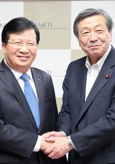 Phó Thủ tướng Trịnh Đình Dũng tiếp Bộ trưởng Bộ Kinh Tế, Thương mại và công nghiệp Nhật Bản