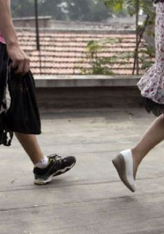 Hàn Quốc thành lập nhóm truy tìm máy quay lén nơi công cộng