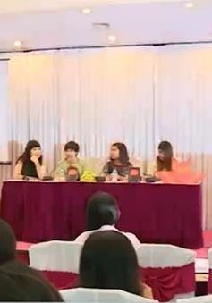 """Cô gái bị lạm dụng tình dục ra mắt tự truyện """"Cát hay là ngọc"""" tại Hà Nội"""