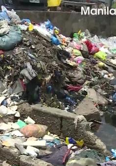 Philippines: Người dân Manila sống trong biển rác khổng lồ