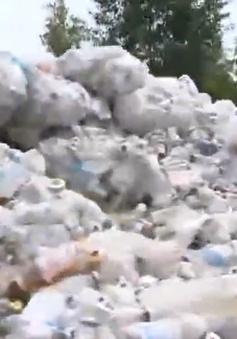 Vụ rác thải y tế lộ thiên ở Bắc Ninh: Trách nhiệm thuộc về ai?