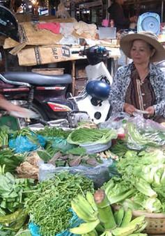 Nắng nóng khiến giá rau xanh tăng gấp mấy lần