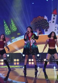 Văn Mai Hương khuấy động chung kết SV 2016 bằng bản hit mới