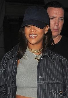 Rihanna không hẹn hò nghiêm túc với Drake