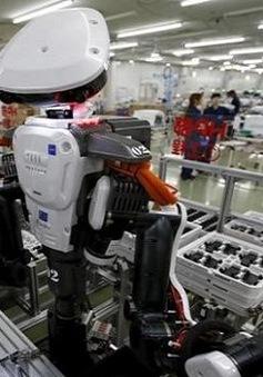 Người Mỹ mong nhận được 2.000 USD/tháng nếu bị robot thay thế