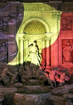 """Thế giới """"thắp sáng"""" quốc kỳ Bỉ sau loạt vụ tấn công ở Brussels"""