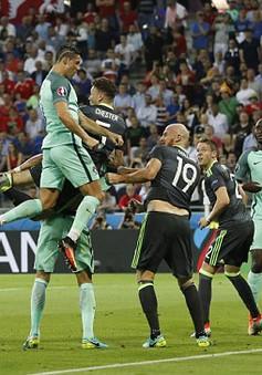 HLV Deschamps tìm cách khắc chế Ronaldo