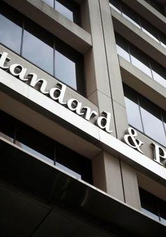 S&P nâng mức xếp hạng tín nhiệm của Pháp