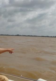 An Giang: Lật sà lan trên sông Vàm Nao, 2 người mất tích