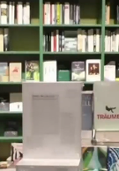 Tái bản tự truyện của Hitler được bày bán tại Đức