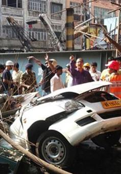Ấn Độ tích cực tìm kiếm nạn nhân vụ sập cầu vượt